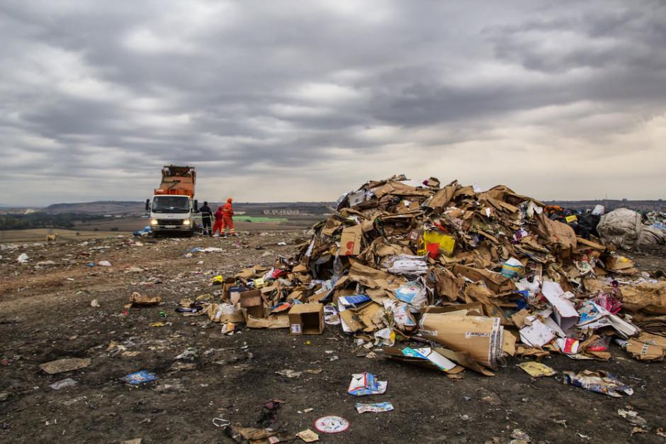 Opole. Na A4 zatrzymano nielegalny transport śmieci z Wielkiej Brytanii