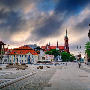 W Białymstoku uważa się, że zbyt wysokie ceny za parkowanie w śródmieściu sparaliżują ruch w strefie podmiejskiej (fot. wikipedia)