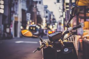 Warszawa wpuściła motocyklistów na dwa buspasy. Pomysł strzałem w dziesiątkę?
