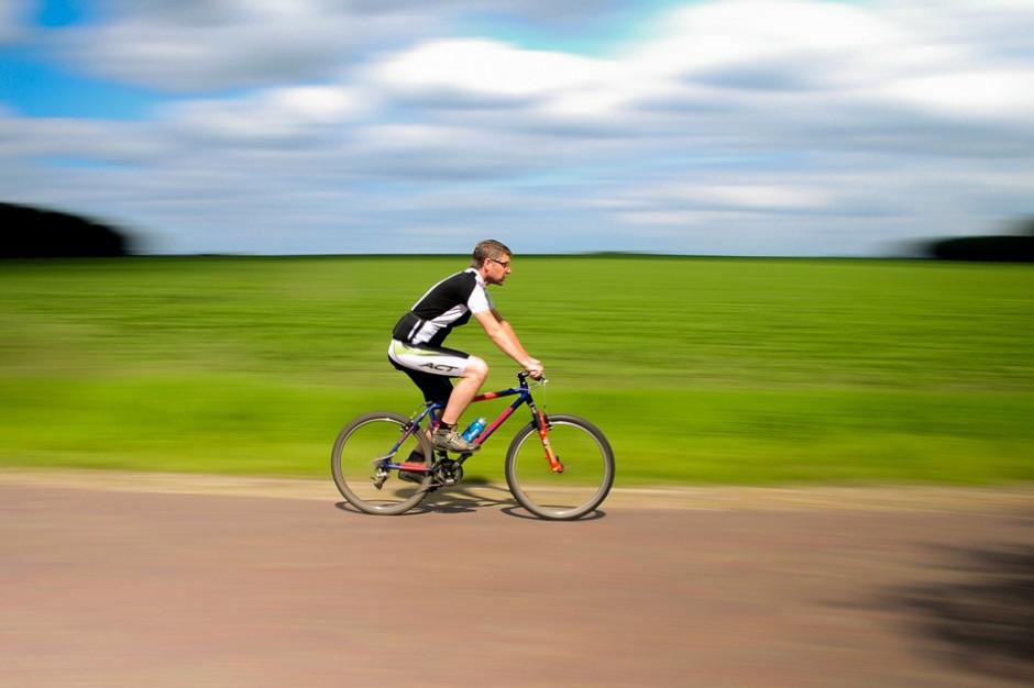 """Ponad 1500 wypadków z winy rowerzystów. """"Zapominają, co im wolno"""""""