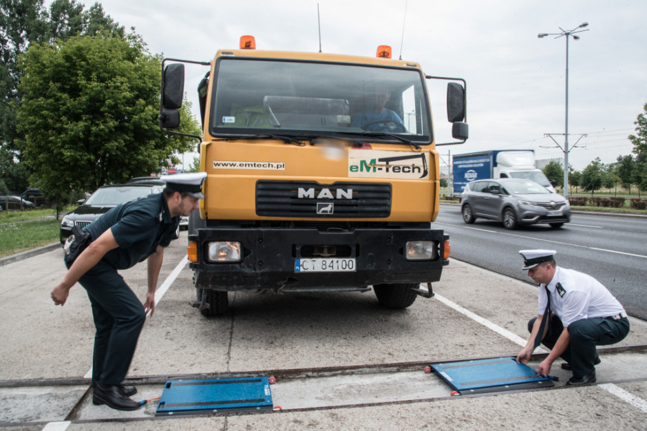 Kujawsko-pomorskie służby jeszcze skuteczniej będą walczyć z pojazdami niszczącymi drogi