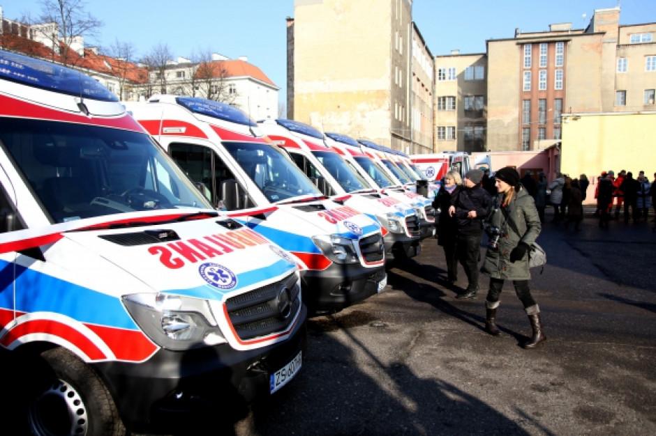 Nowe karetki dla WPR w Szczecinie. Trafią też do Pyrzyc, Polic i Barlinka