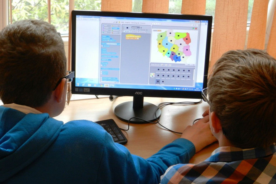 Cyfrowa szkoła potrzebuje cyfrowych nauczycieli. Są pieniądze na szkolenia