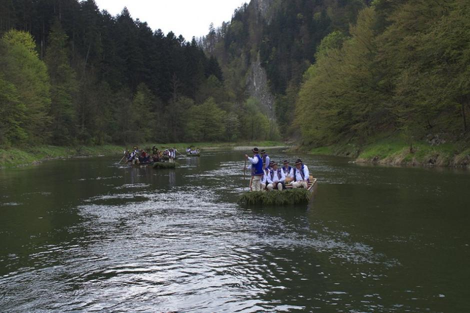 Po ulewnych deszczach, flisacy wrócili na spływ przełomem Dunajca
