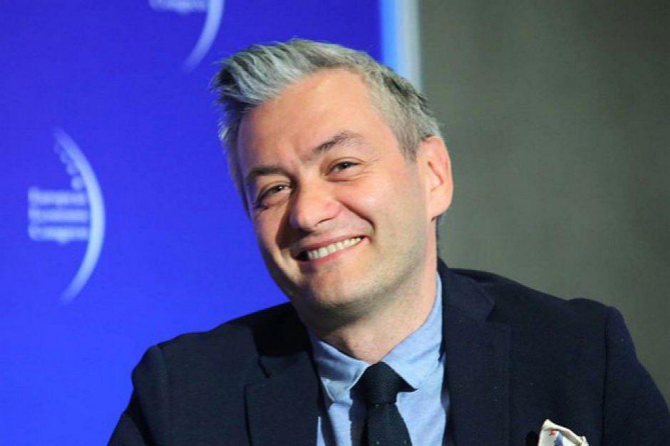 Znów Robert Biedroń wyprzedza Andrzeja Dudę