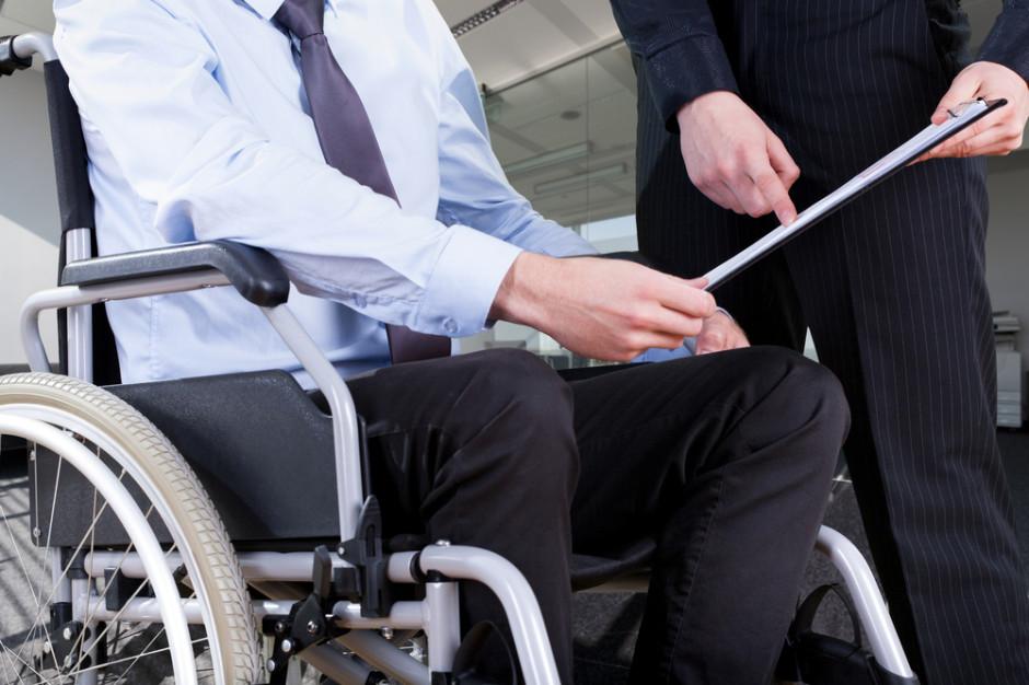 Warszawa: Konflikt o miejsce zatrudniające niepełnosprawnych wykorzystywane w kampanii?