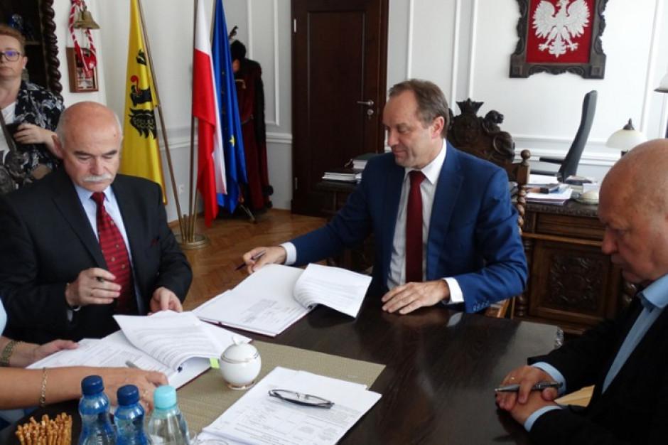 Termomodernizacja szpitala w Prabutach do końca 2018 r. Jest umowa