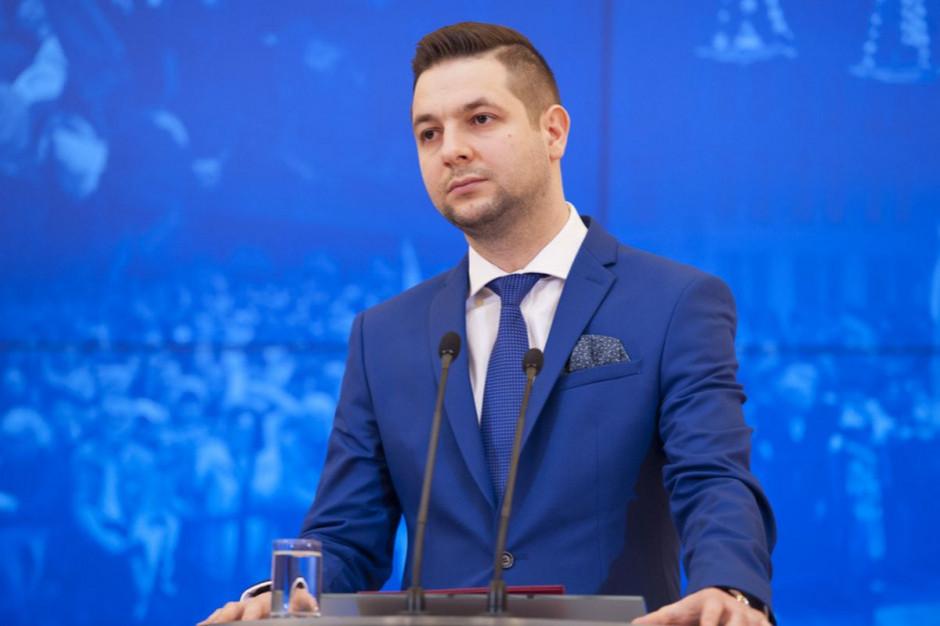 Patryk Jaki: uliczne protesty są dowodem na to, że Polska jest w pełni demokratyczna