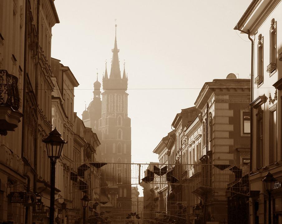Władze Krakowa podjęły decyzję, by wesprzeć 1,5 tys. rodzin dotkniętych ubóstwem w modernizacji ich miejsc zamieszkania. (fot. Kraków/pixabay.com)