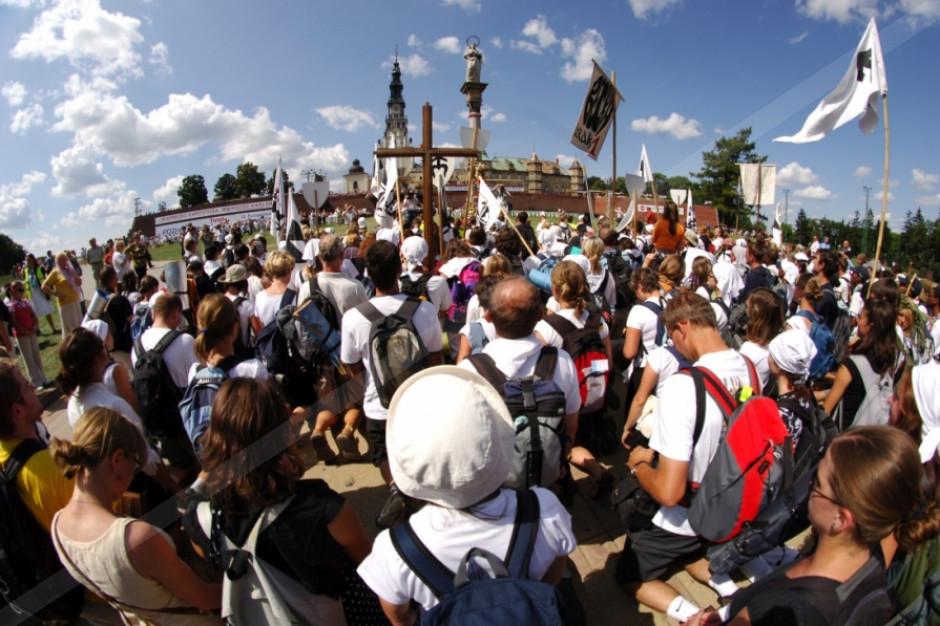 Szczyt pielgrzymkowy. Blisko 300 pielgrzymów wyruszyło z Białegostoku na Jasną Górę