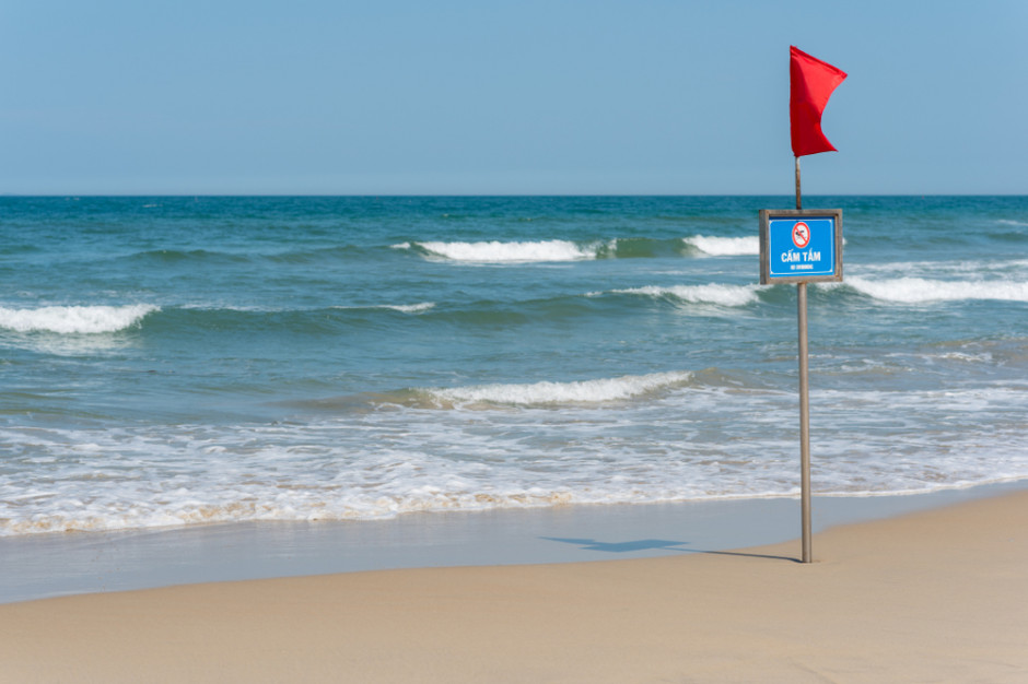Na większości kąpielisk w Gdyni, Pucku i Sopocie nadal królują sinice. Zakaz kąpieli obowiązuje