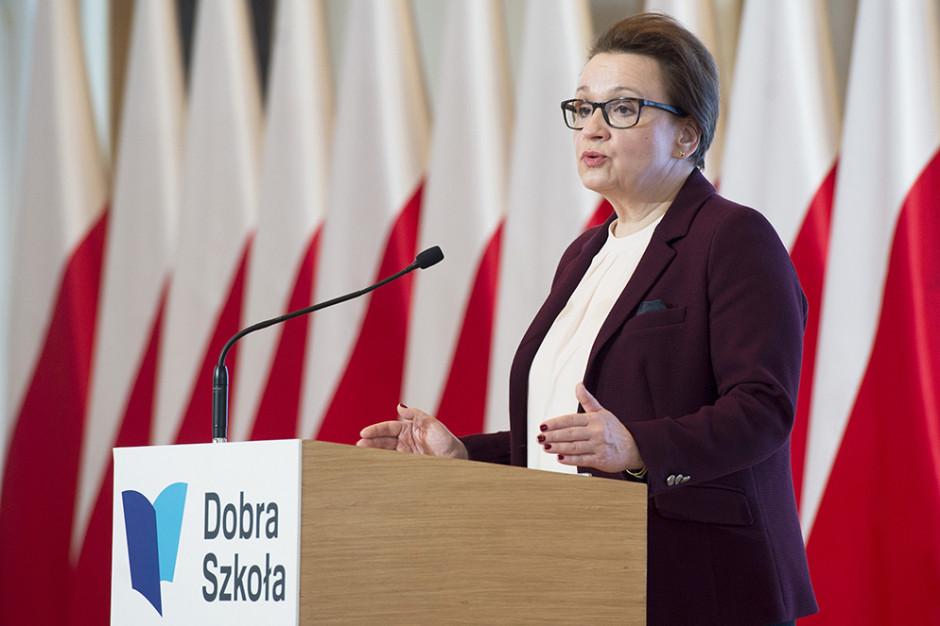 Umorzono postępowanie ws. nastolatki, która miała znieważyć minister Zalewską