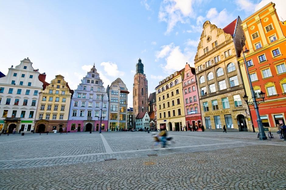 Wrocławski magistrat rozwiązał zgromadzenie z byłym księdzem Międlarem