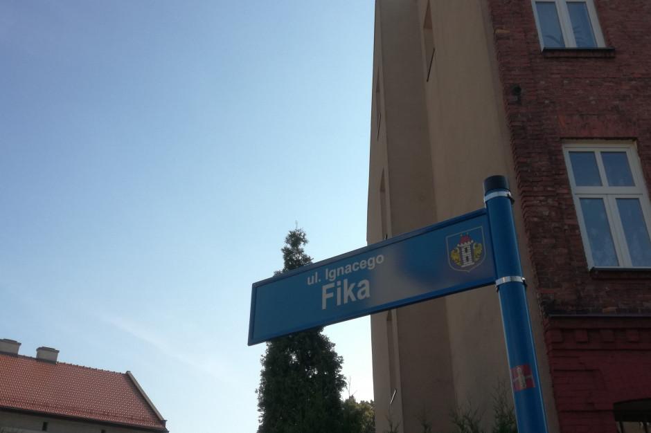 Oświęcim: wojewoda zmienia nazwę ulicy I.Fika, samorząd zwołuje sesję
