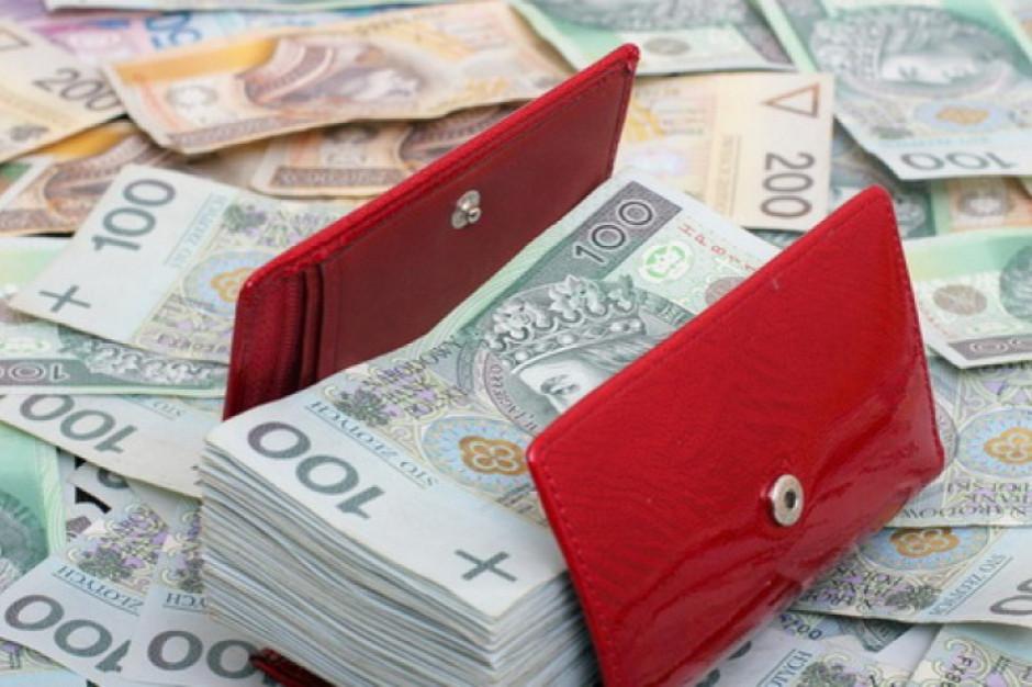 Wójt, sekretarz i skarbnik Bielic z zarzutami o  zadłużenie w parabankach