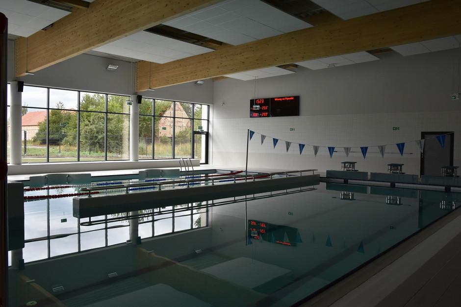 Świdnica zakończyła budowę basenu. Każdy uczeń ma umieć pływać