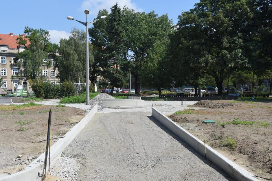 Kończy się modernizacja placu Nowakowskiego w Poznaniu