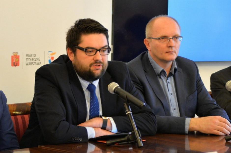 Radni PiS:  Za plecami Trzaskowskiego pojawia się były wiceprezydent Jarosław Jóźwiak