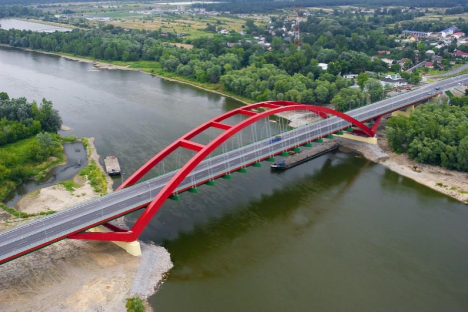 Umowa na koncepcję nowej drogi wojewódzkiej i mostu na Sanie podpisana