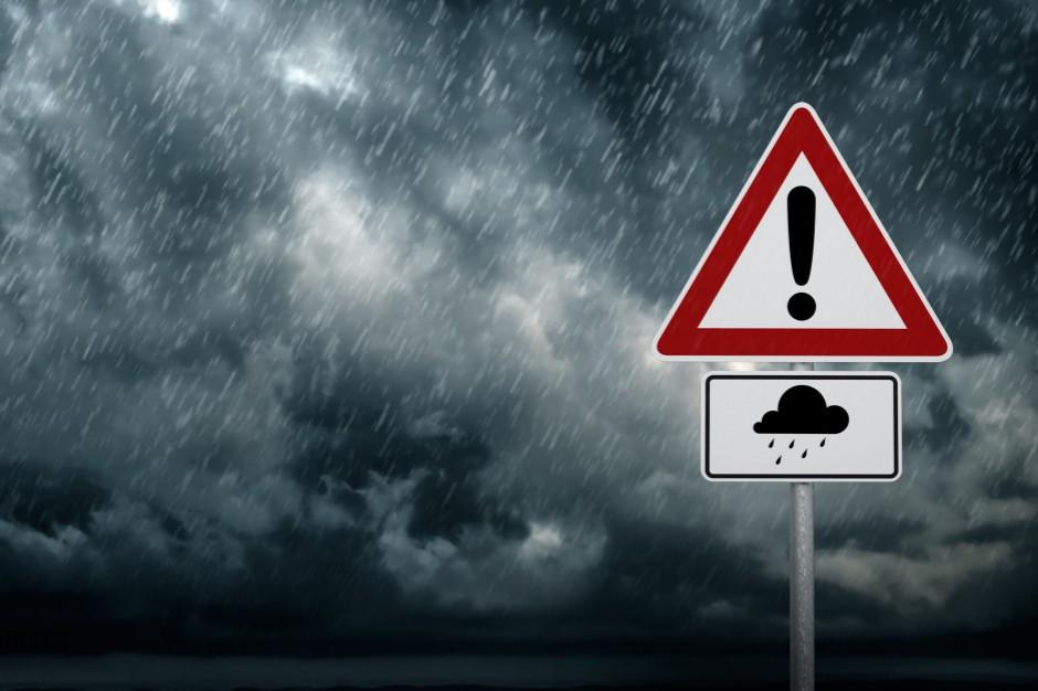 IMGW: ostrzeżenia drugiego stopnia przed burzami z gradem