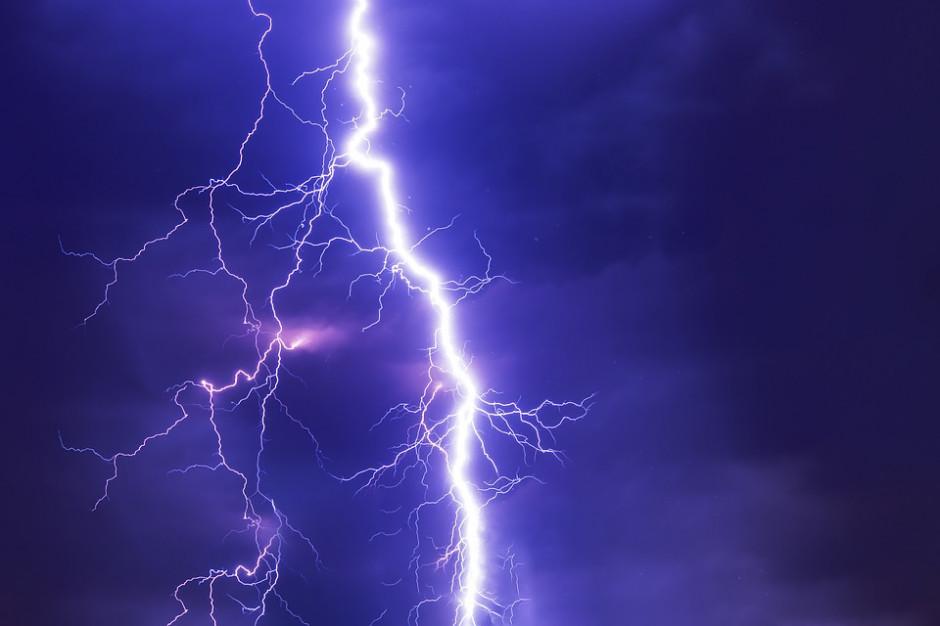 W wyniku burz 26 tys. odbiorców bez prądu