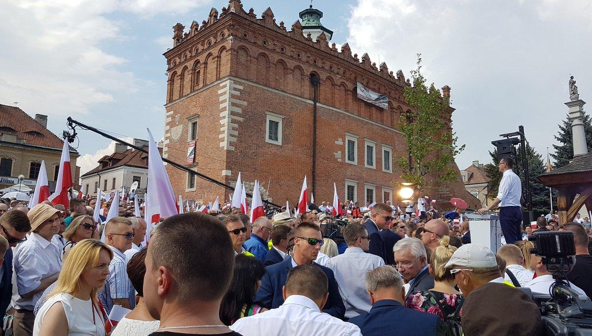 Opozycja to zwijanie Polski. A my to wszystko odtworzamy - powiedział premier (fot.twitter.com/pisorgpl)
