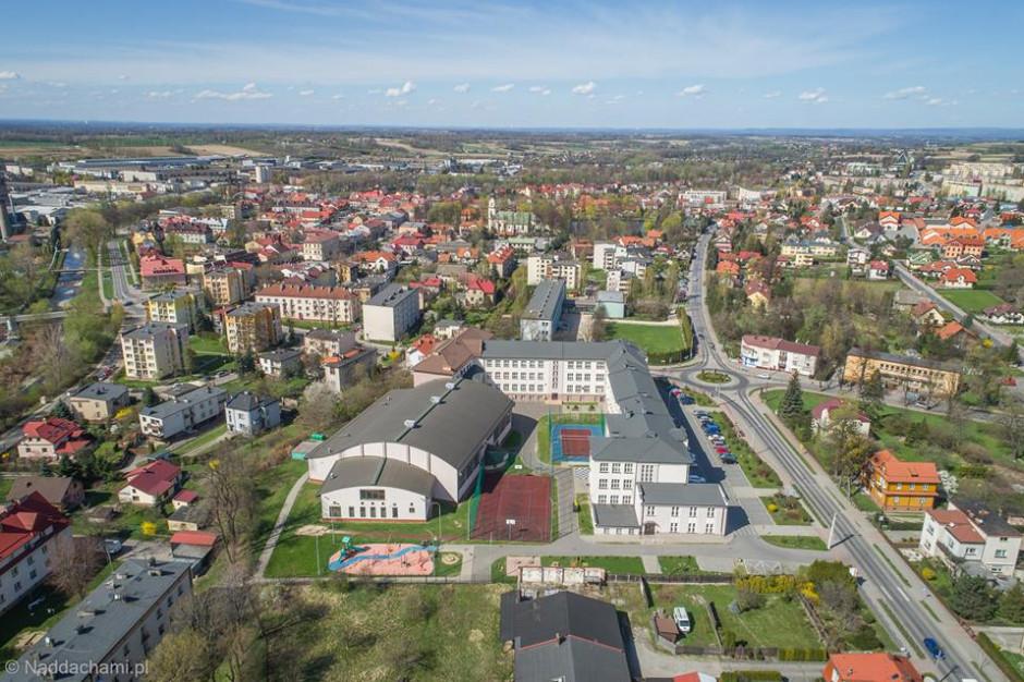 Wybory samorządowe w Andrychowie: czterech kandydatów na burmistrza