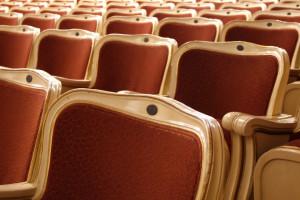 Kraków: Krzesła z remontowanego centrum kultury zyskają drugie życie
