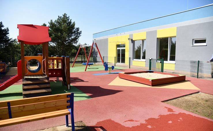 W trzykondygnacyjnym budynku zespołu znajdą się 24 sale lekcyjne oraz 6 oddziałów przedszkolnych (sale do zajęć z łazienkami). (fot. UM Poznań)