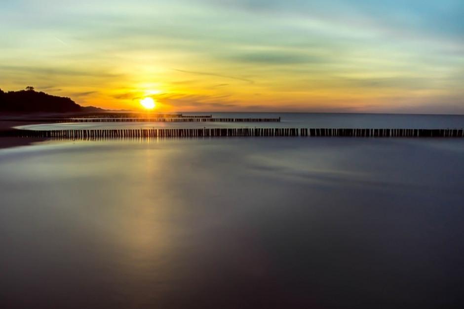 Zachodniopomorskie: dwa kąpieliska nad Bałtykiem zamknięte przez sanepid
