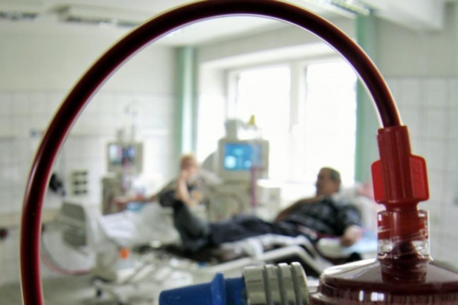 Zdrowie pacjentów zagrożone, stacja dializ obarcza winą NFZ
