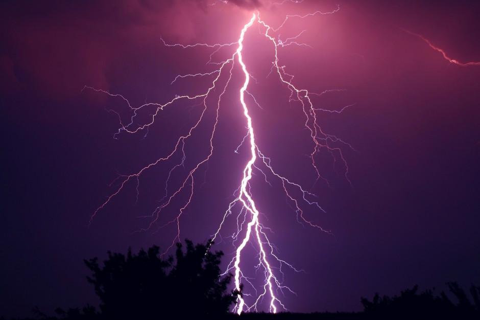 IMGW wydaje ostrzeżenia przed burzami