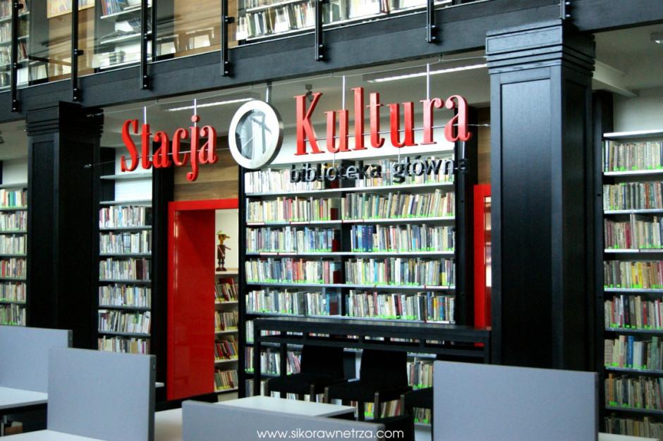 Nowe funkcje dworców kolejowych: biblioteka, kino, posterunek, muzeum