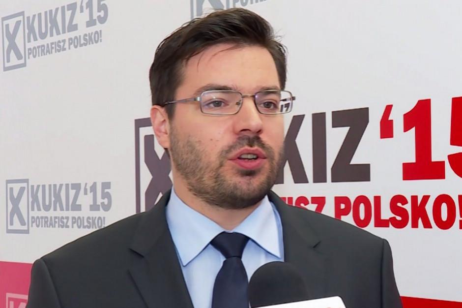 Tyszka chce informacji od PiS i PO, ile wydały na kampanię billboardową