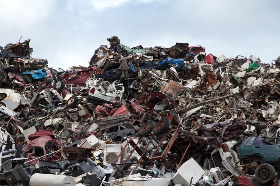 Podlaskie: strażacy ugasili wysypisko odpadów w Studziankach