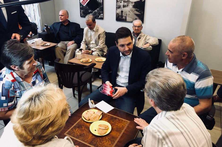"""Patryk Jaki spotkał się z mieszkańcami stolicy w """"Jaki Cafe"""""""