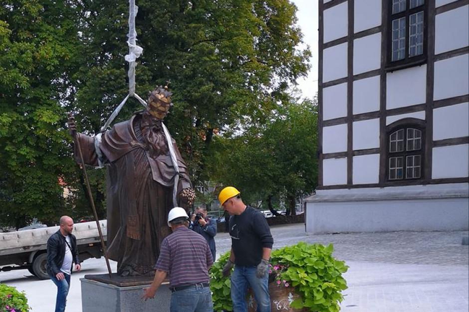 Zielona Góra ma pomnik św. Urbana i odnowiony plac Powstańców Wielkopolskich