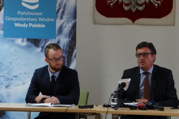 Przemysław Daca zaapelował do władz gmin, by nie podwyższały cen wody (for.Wody Polskie)