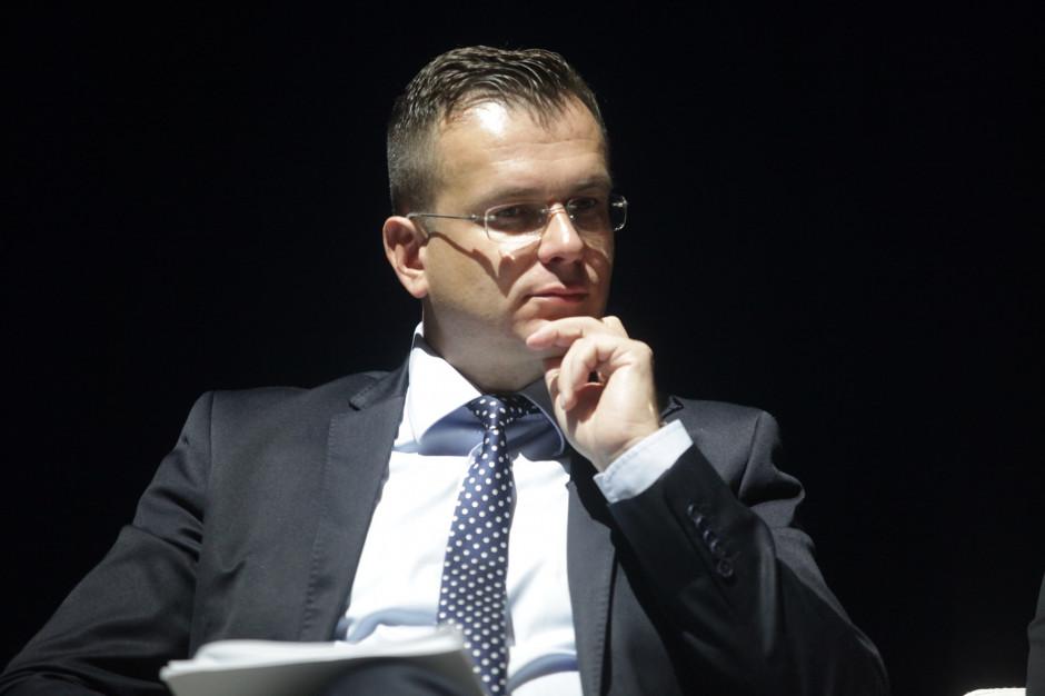 Adam Hamryszczak: Samorządy powinny odejść od zwykłego wydawania na rzecz inwestowania