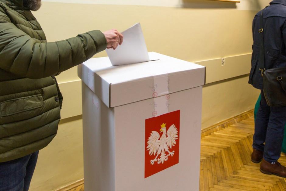 PKW zarejestrowała 28 ogólnopolskich komitetów. Oto pełen wykaz