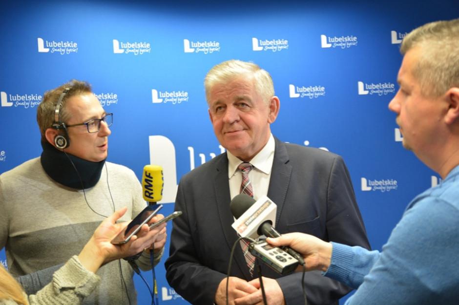 Marszałek szykuje odpowiedzi radnym PiS ws. pikiety z udziałem urzędników