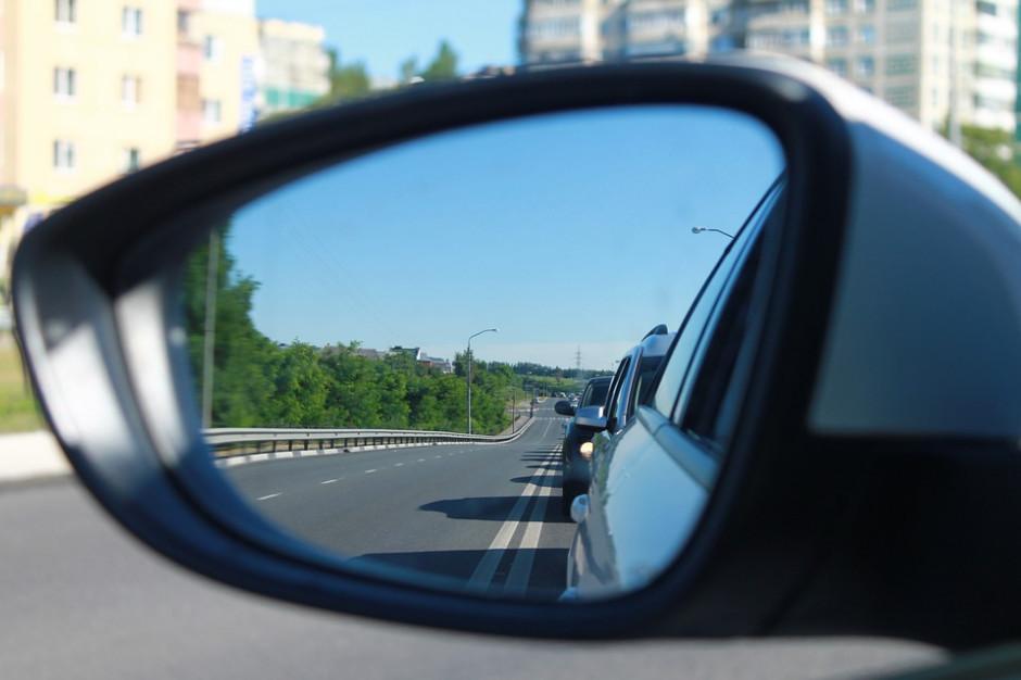 Plany gospodarki niskoemisyjnej zagrożone przez emisję z transportu