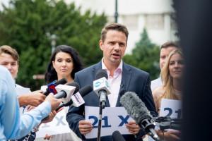 Trzaskowski: chcemy uzmysłowić Polakom konsekwencje orzeczenia TSUE dla inwestycji w Warszawie