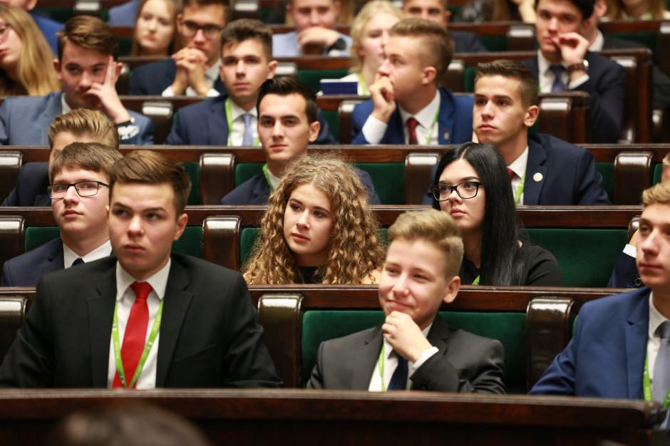 Uczniowie mogą już ubiegać się o mandat do Młodzieżowego Sejmiku Województwa Mazowieckiego