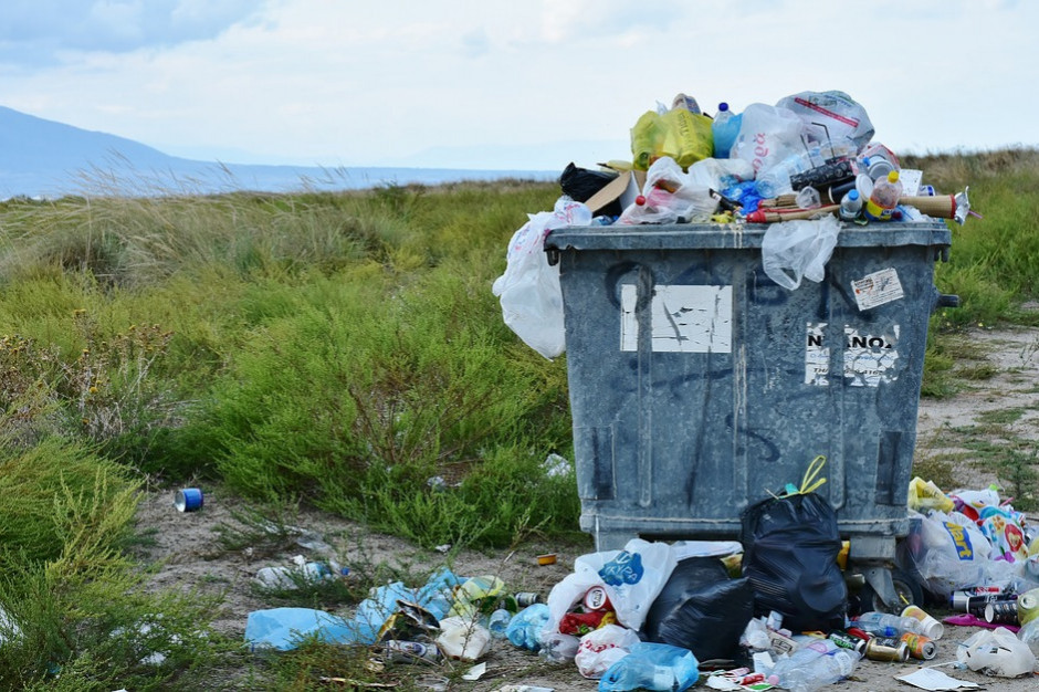 Odpowiedzą przed sądem za nielegalne składowanie odpadów chemicznych
