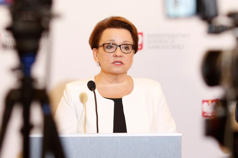 Sejmowa komisja negatywnie o wniosku o odwołanie minister edukacji