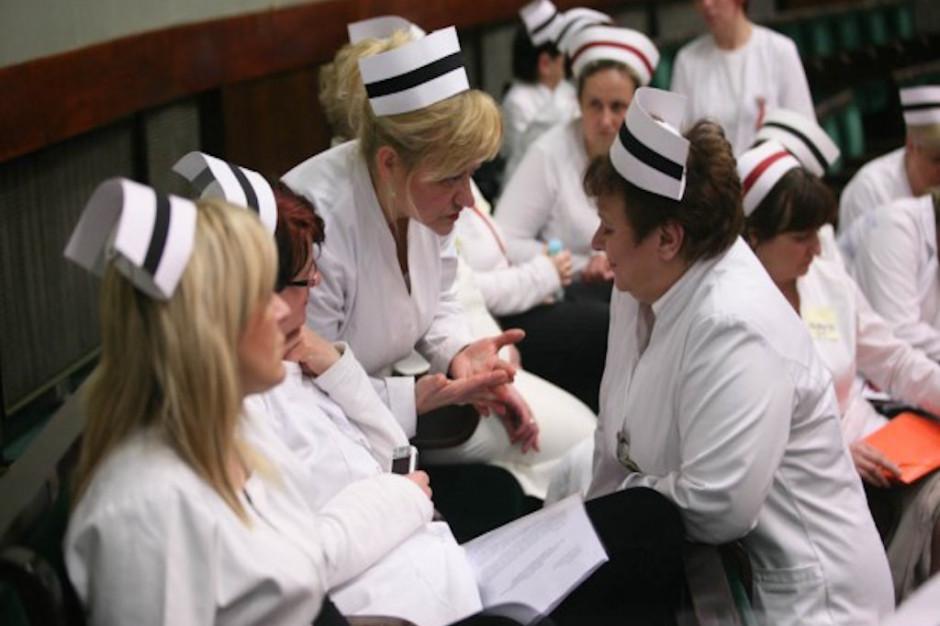 Protestujące pielęgniarki próbowały wejść na teren Sejmu