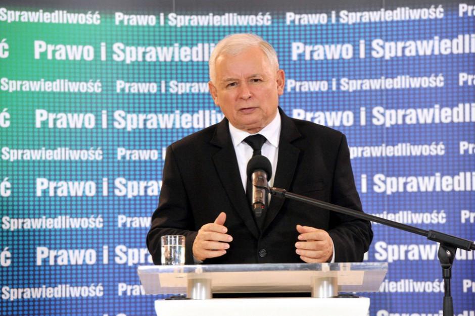 Prezes PiS na posiedzeniu klubu mobilizował do większej aktywności w kampanii samorządowej