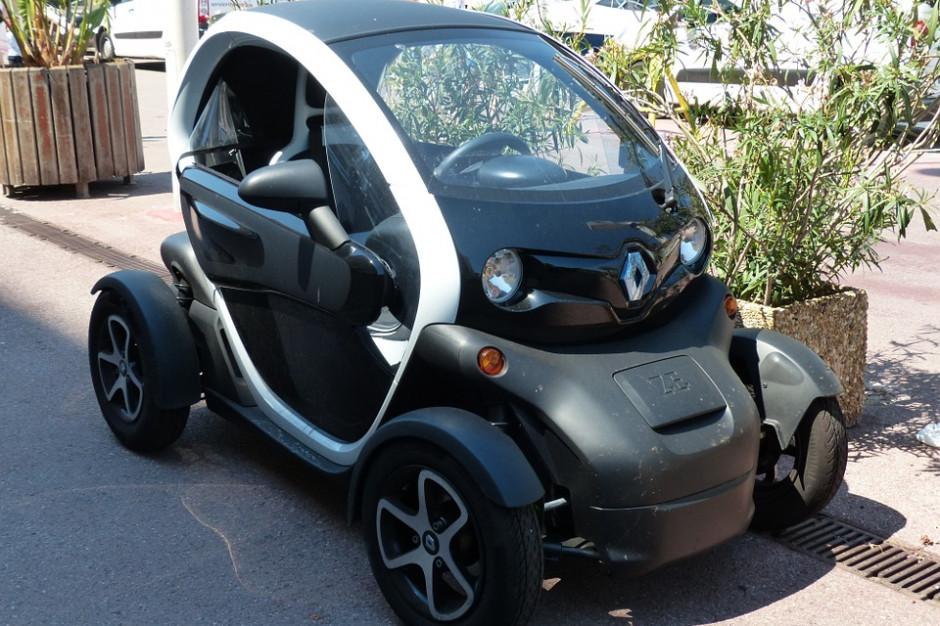 Darmowa wypożyczalnia samochodów elektrycznych dla mieszkańców osiedla na Mokotowie