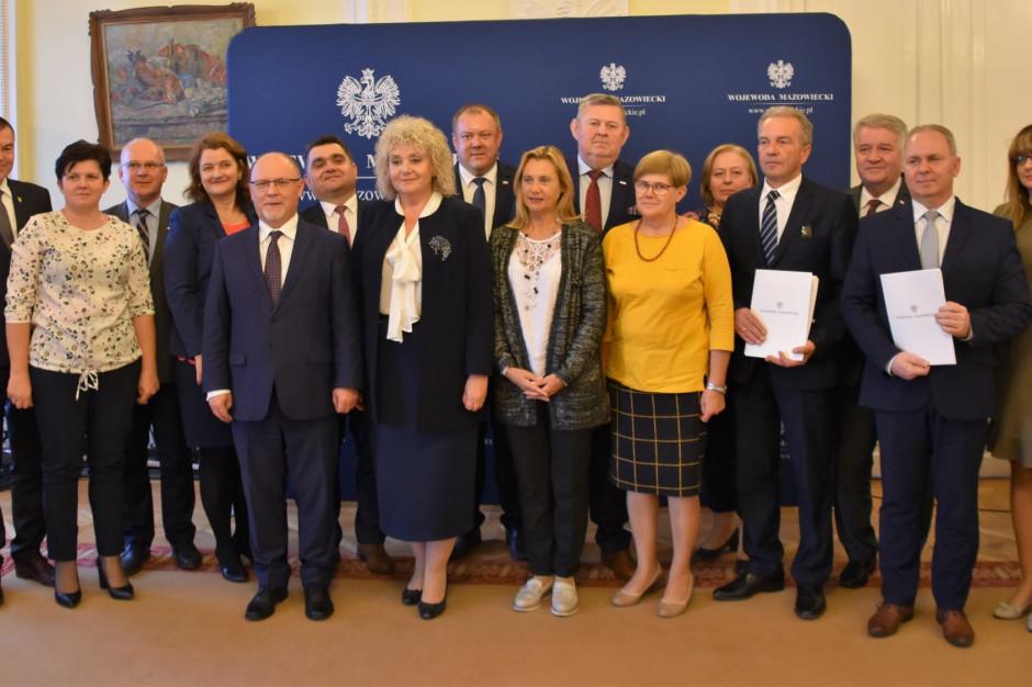 Siedem samorządów z Mazowsza dostało niemal 8 mln zł dofinansowania na drogi